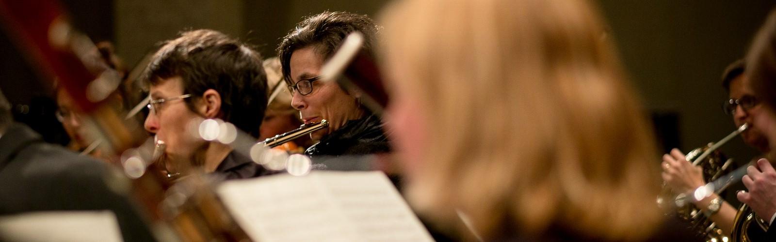 Foto van zingend koor.